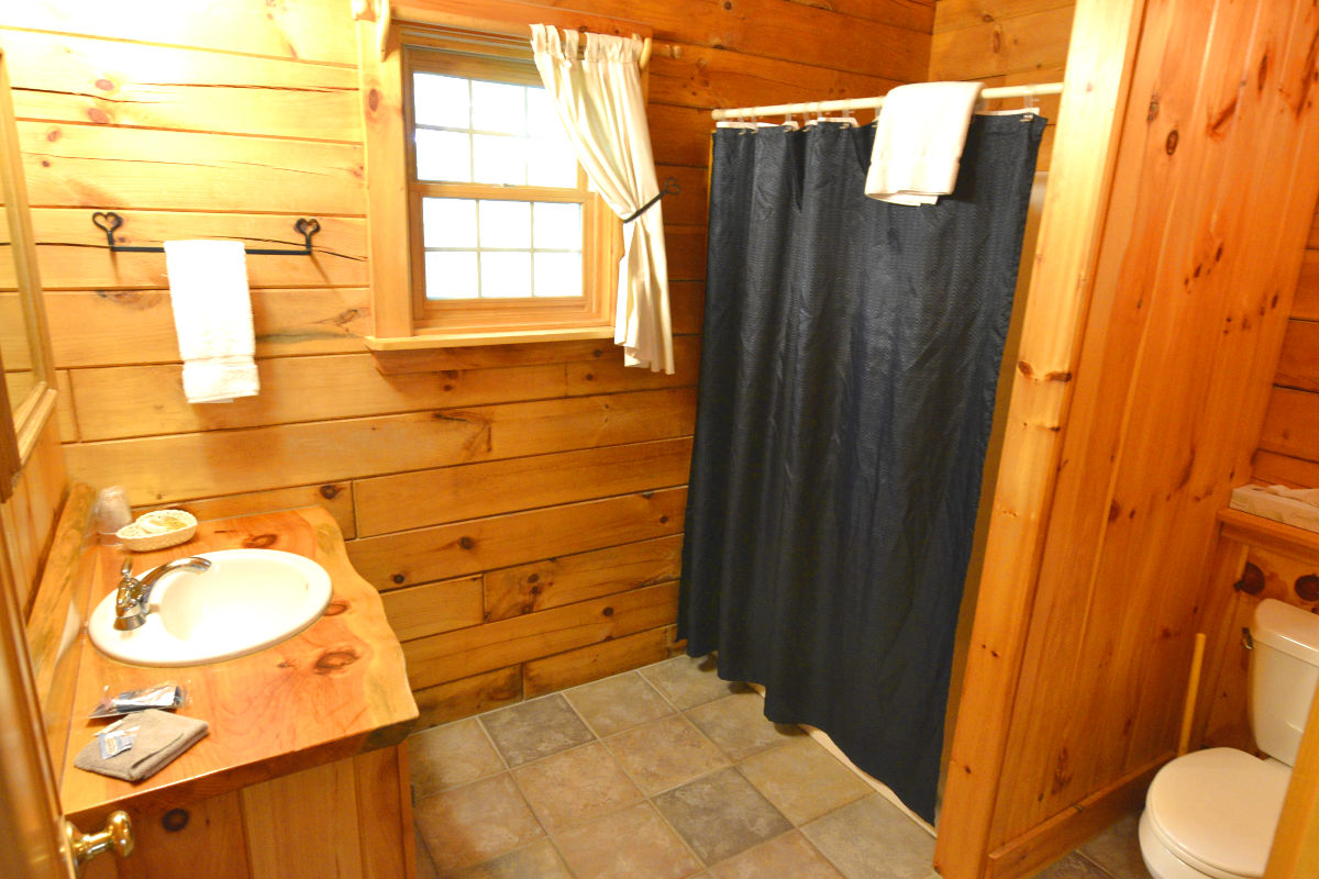 w cabins in rental cabin tu north romantic private nh hot conway log homeaway vacation
